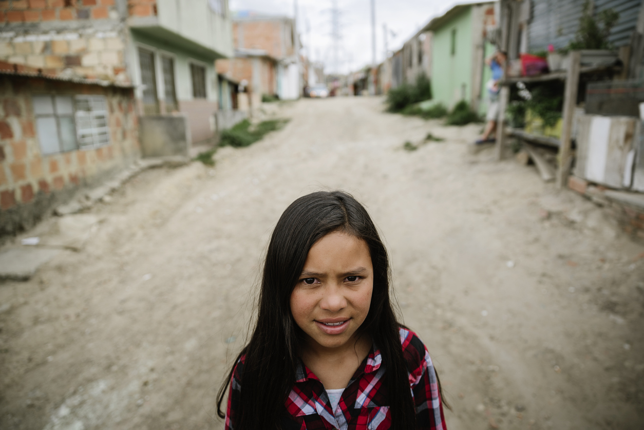 poverty hispanic young girl childhood